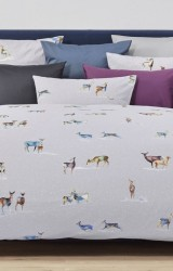 Christian-Fischbacher-Bettwäsche-Its-snowing-my-deer-Satin-grau