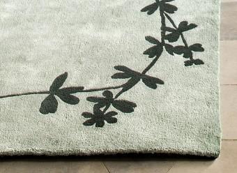 Christian-Fischbacher-Teppich-Aureola-pastellgrün-uniformgrün
